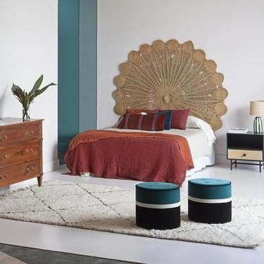 Un viaje en el tiempo con la última tendencia en los dormitorios: los cabeceros de ratán