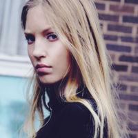 Toma nota, Ella Richards es la nueva aspirante a modelo e it girl (e hija de papá)