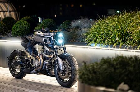 ¡Puro espectáculo! La Blue Falcon es una bestial Yamaha MT-01 reencarnada que mantiene su enorme bicilíndrico de 1.670 cc