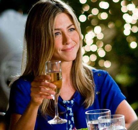 Jennifer Aniston se lleva guay con la madre de Brad Pitt