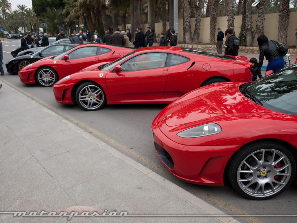 Foto de Reunión de Ferraris en Elche (1/32)