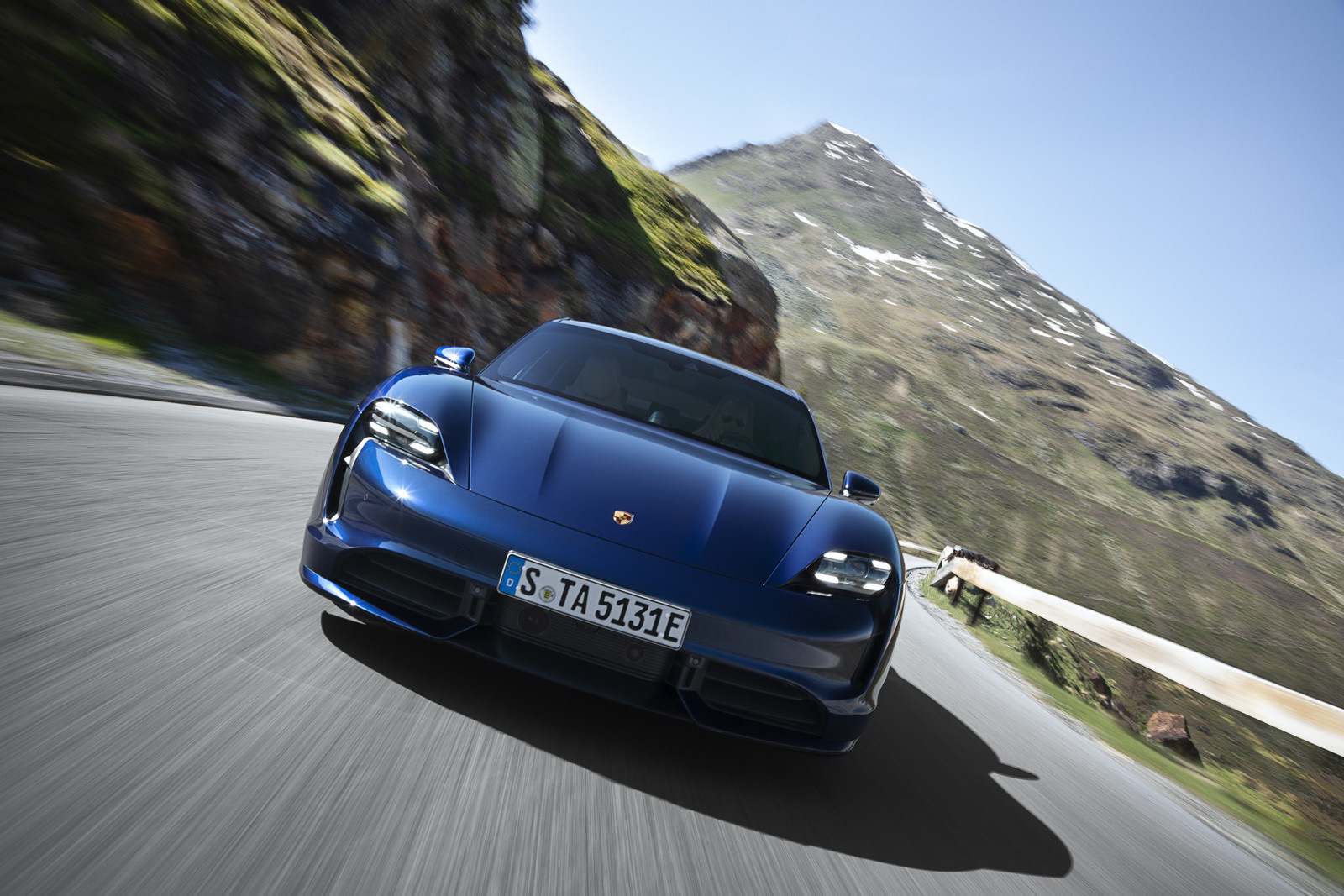 Foto de Porsche Taycan (8/21)