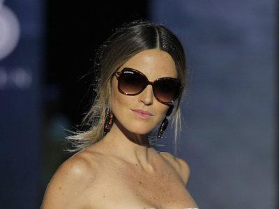 ¡La modelo Laura Sánchez amplia el negocio veraniego! Ahora también diseña gafas y ropa de playa