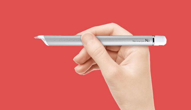 El Neo Smartpen N2 traslada tus notas del papel a la pantalla
