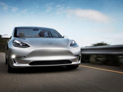 Elon Musk presume en vídeo su Tesla Model 3 'release candidate' mientras confirma las reservas de su techo solar