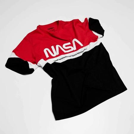 Como venida de otro mundo: así es la colección cápsula de Pull&Bear con el logo de la NASA