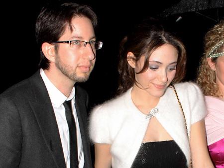 Emmy Rossum y Justin Siegel