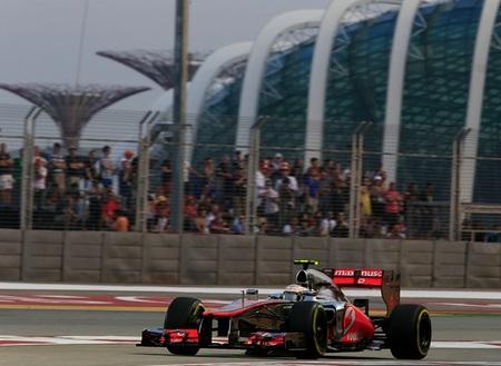 Lewis Hamilton se adjudica con autoridad la pole en Marina Bay