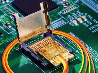 Intel Light Peak, un nuevo estándar de conexión con un prometedor futuro por delante