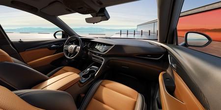 El Buick Envision 2021 por fin muestra el interior, y quiere buscarle un lugar a Buick en el mundo premium