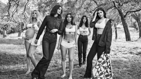 La familia Kardashian-Jenner repite como imagen de la nueva campaña #MyCalvins de Calvin Klein. ¿Estamos ante una nueva tradición?