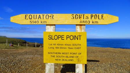 Slope Point, donde el viento corta el punto más meridional de la isla sur de Nueva Zelanda