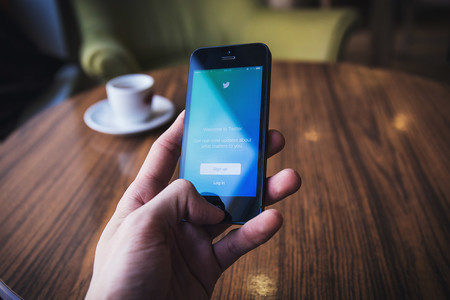 Twitter despedirá al 9% de su plantilla para recortar gastos