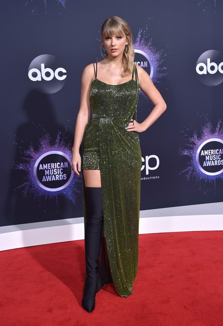 Taylor Swift Amas Julien Macdonald 02