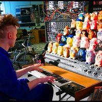 """""""The Furby Organ"""", el instrumento musical creado por el ser humano que se debate entre lo aterrador y lo increíble"""