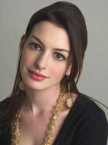 Anne Hathaway, pues habrá que darle al rollo bollo