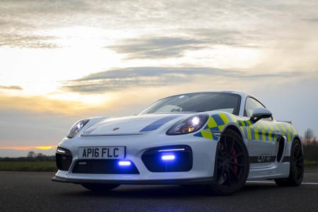 La policía de Norfolk, en Inglaterra, estrena un Porsche Cayman GT4