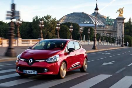 Renault Clio IV rojo 01