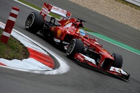 Fernando Alonso, estrategia diferente pero riesgo máximo