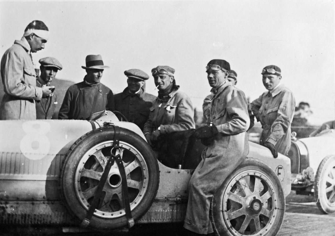 Foto de Bugatti Veyron Meo Constantini (20/24)