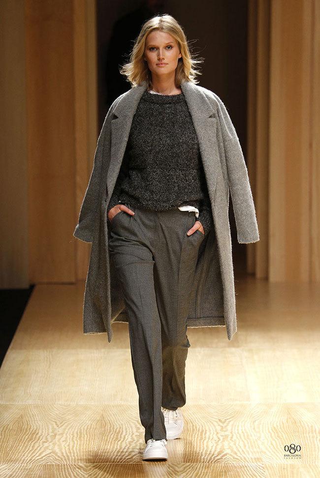 Foto de Mango abre la 080 Barcelona Fashion con su colección Otoño-Invierno 2014 y Toni Garrn (8/41)