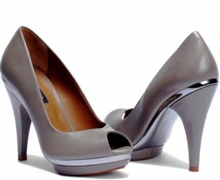 Zara Otoño-Invierno 2010/2011. Avance de los zapatos que llevarás