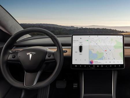 Tesla reta a los hackers a encontrar los puntos débiles de sus coches y pone 1 millón de dólares en juego