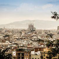 Los vehículos sin etiqueta tendrán que pagar 2 euros para acceder a la  Zona de Bajas Emisiones de Barcelona