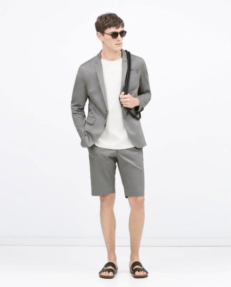 Zara apuesta por combinar blazer con bermudas esta primavera