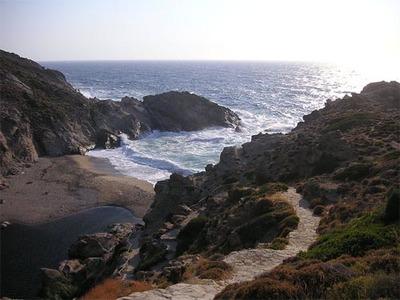 Icaría (Grecia): una isla de leyenda y un pueblo vampiro
