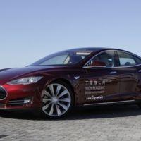 El Model S de Tesla tendrá un piloto automático para autovías y aparcamiento automático en paralelo