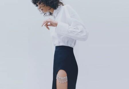Siete faldas midi de Zara con un toque especial para estrenar el día de Navidad
