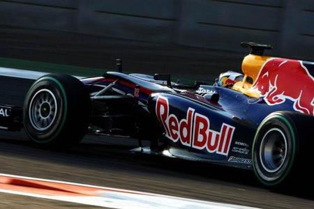 Daniel Ricciardo probará el nuevo Toro Rosso antes de llegar a Bahréin