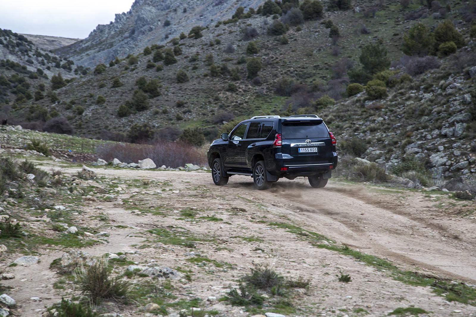 Foto de Toyota Land Cruiser- Fotos de acción (2/10)