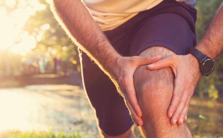 Me duele la rodilla cuando corro: dime dónde sientes dolor y te diré de qué posible lesión se trata