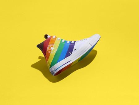Con Orgullo Y Mucho Color Converse Interviene Sus Iconicos Modelos En Pro De La Comunidad Lgbtqia 4