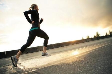 Runner running fartlek