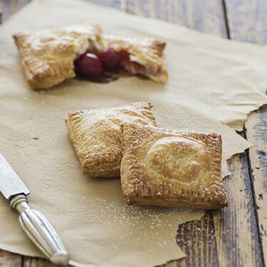 Empanadillas de cerezas: deliciosa y sencilla receta para alegrar la merienda