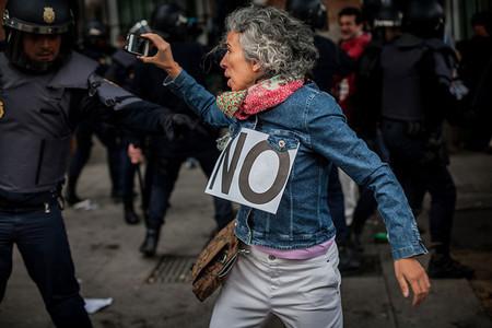 Fotomovimiento 15M: 'Se está dejando de confiar en los medios y la ciudadanía busca información alternativa'