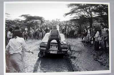 Shekhar Mehta en el rally Safari, con un Datsun Violet