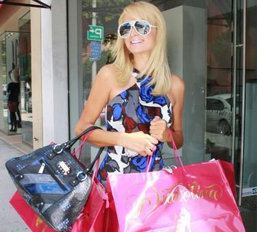Paris Hilton preocupada por la economía