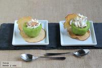 Merienda para niños. Receta de kiwis rellenos de mascarpone y crujiente de manzana