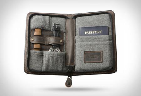 Descubre este elegante estuche de viaje para relojes y pasaporte