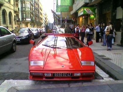 Lamborghini Countach por las calles de Donostia
