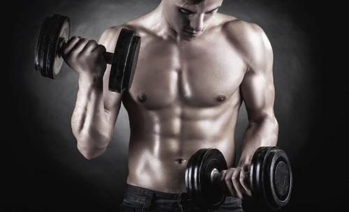 ¿Quieres ganar músculo y no ves resultados? Evita estos errores