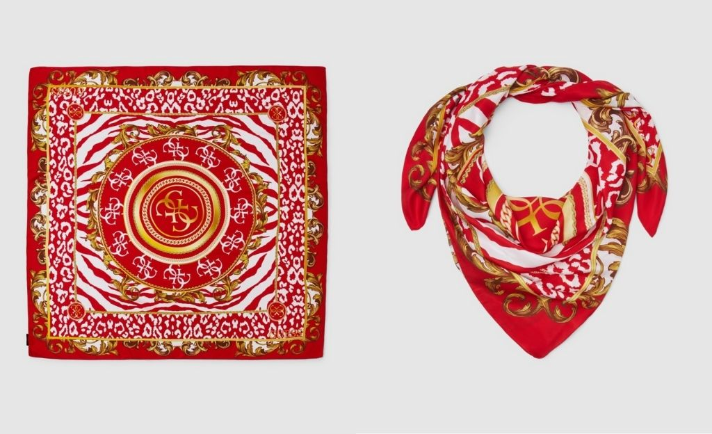 Pañuelo rojo Guess con estampado animal print