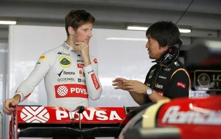 Romain Grosjean no firmará con Lotus hasta confirmarse los motores Mercedes
