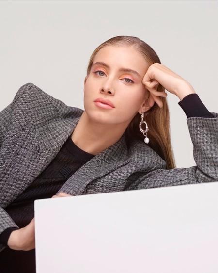 Givenchy nos propone tres maquillajes súper naturales ideales para videollamadas o lucir tras el confinamiento