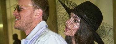 Emily Ratajkowski celebra dos años de matrimonio mostrando nuevas imágenes de su original enlace (y con un traje de Zara)