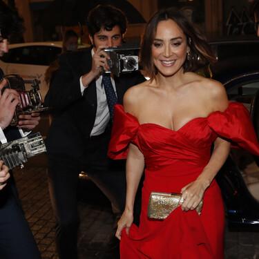 Tamara Falcó tiene el vestido rojo de nuestros sueños: con escote sensual, de satén y largo hasta el suelo